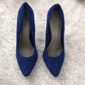 Forever 21 Blue Suede (like) Heels Size 6